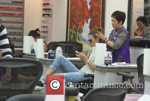 Rhea Durham - Rhea Durham is pampered as she goes to a nail salon in Beverly Hills - Los Angeles,...