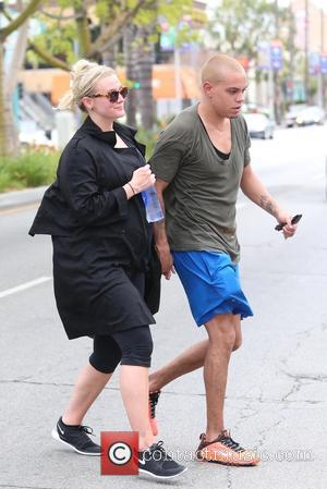 Ashlee Simpson and Evan Ross - Ashlee Simpson and Evan Ross exit a gym at Studio City - Los Angeles,...