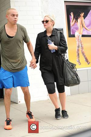 Ashlee Simpson and Evan Ross - Pregnant Ashlee Simpson and Evan Ross finish a workout together - Los Angeles, California,...
