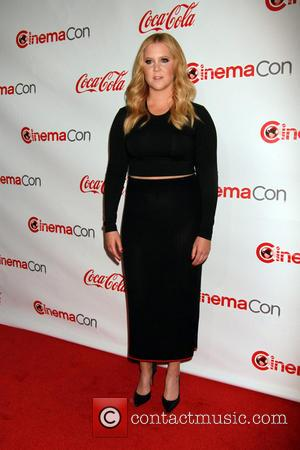 Amy Schumer Pokes Fun At Bill Cosby Scandal In Skit