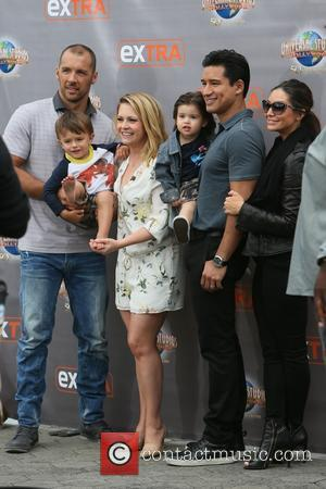 Mark Wilkerson, Melissa Joan Hart, Tucker Wilkerson, Dominic Lopez, Mario Lopez and Courtney Mazza - Melissa Joan Hart promotes her...