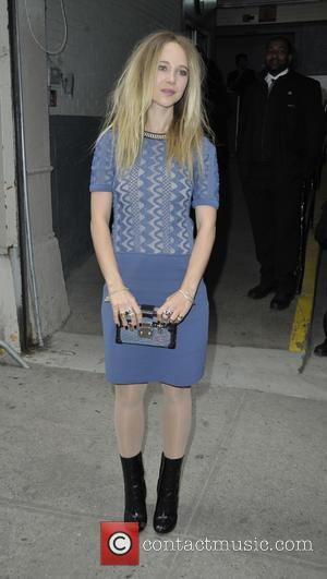 Juno Temple - Juno Temple leaving The Huffington Post - Manhattan, New York, United States - Monday 27th April 2015