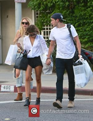 Lucy Fry, Sarah Hyland and Dominic Sherwood - Sarah Hyland, Dominic Sherwood and Lucy Fry out and about in Los...