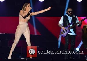 Jennifer Lopez and Los Dinos