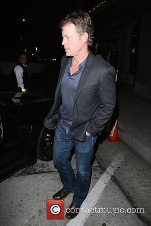 Greg Kinnear - Greg Kinnear seen leaving Craigs restaurant - Los Angeles, California, United States - Friday 1st May 2015