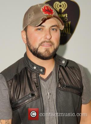 Tyler Farr Steps Down From Lee Brice Tour For Vocal Surgery