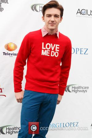 Drake Bell Under Fire For Bruce Jenner Tweet