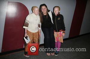 Bibiana Mbuchi, Camryn Manheim and Tindy Mbuchi