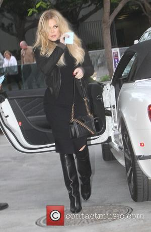Khloe Kardashian - Khloe Kardashian and Kendall Jenner arrive at the Staples Center to watch the Houston Rockets vs. Los...