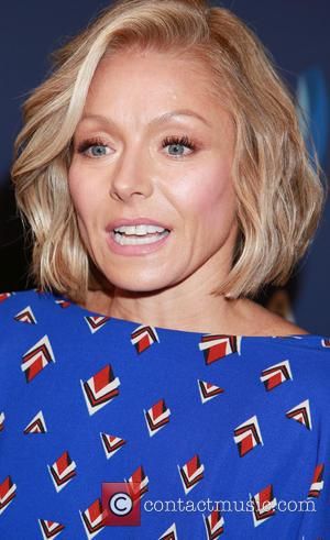 Kelly Ripa - A host of celebrities were snapped as they arrived to the 26th Annual GLAAD Media Awards which...