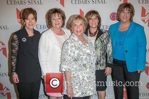 Ellen Brooks, Nancy Eisenstadt, Joyce Powell, Linda Blumenfeld and Debbie Powell