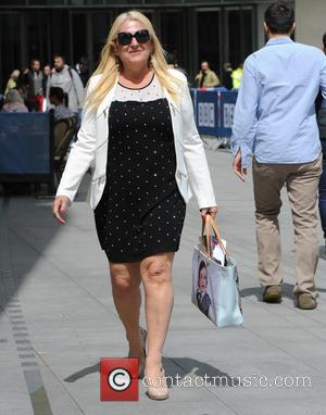 Vanessa Feltz - Vanessa Feltz seen out and about in London enjoying the Sunshine. - London, United Kingdom - Monday...