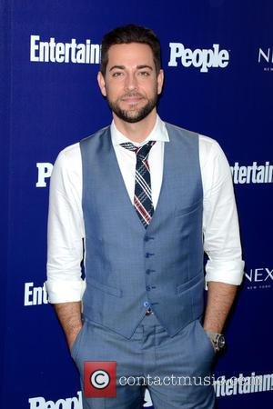 Zachary Levi - Entertainment Weekly And PEOPLE Celebrate The New York Upfronts - Arrivals - Manhattan, New York, United States...