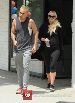 Ashlee Simpson and Evan Ross - A heavily pregnant Ashlee Simpson leaves the gym in Studio City with husband Evan...