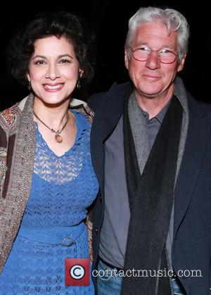 Saundra Santiago and Richard Gere