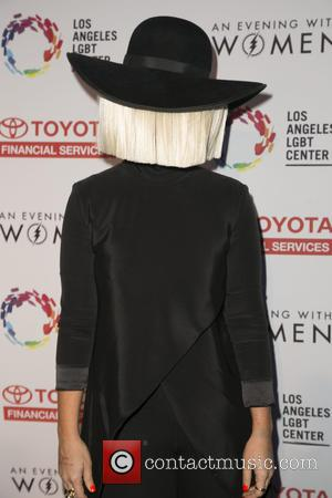Sia Still On Top In The U.s. As Drake Makes History