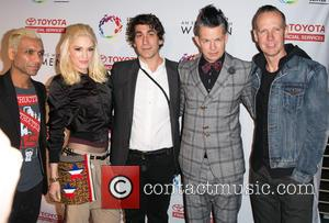 Tony Kanal, Gwen Stefani, Brent Bolthouse, Adrian Young and Tom Dumont