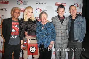 Tony Kanal, Gwen Stefani, Lorri L. Jean, Adrian Young, Tom Dumont and No Doubt
