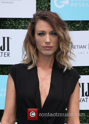 Natalie Zea And Travis Schuldt Expecting First Child