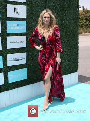 Molly Sims - A host of stars were photographed as they arrived for the Ovarian Cancer Research Fund's 2nd Annual...