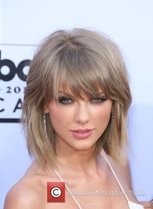 Taylor Swift Tops Maxim Magazine's Hot 100 List