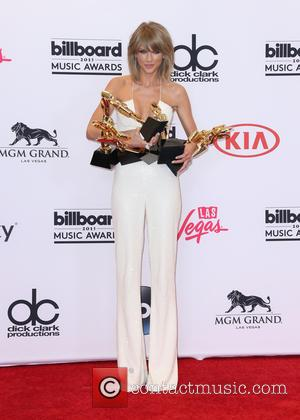 Taylor Swift - Shots of the winners from the 2015 Billboard Music Awards in the press room after the ceremony...