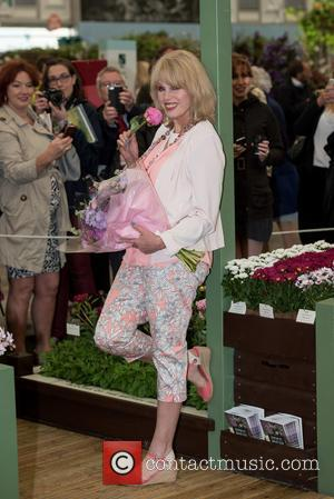 Joanna Lumley - RHS Chelsea Flower Show - Press and VIP view. - London, United Kingdom - Monday 18th May...