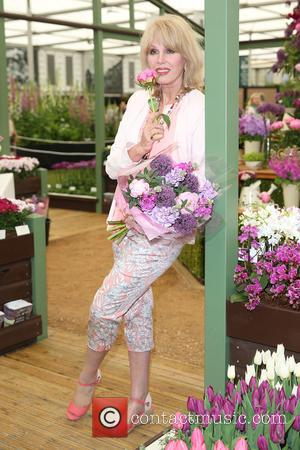 Joanna Lumley - The Chelsea Flower Show 2015 - London, United Kingdom - Monday 18th May 2015