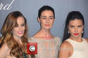 Erin O'Connor, Adriana Lima and Guest