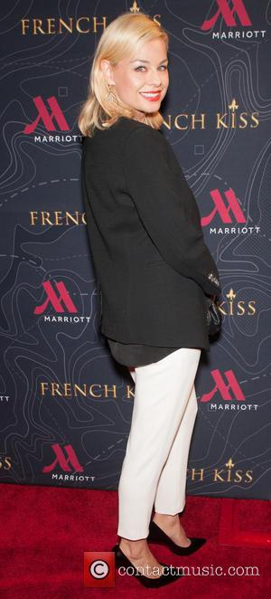 Jessica Collins - Premiere of 'French Kiss' at the Marina del Rey Marriott - Arrivals at Marriott Marina Del Rey...