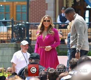 Mariah Carey and Michael Strahan