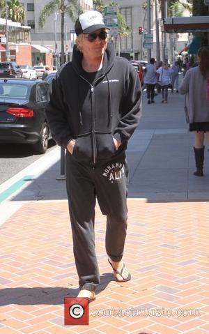 Matt Sorum - Former Guns N' Roses and Velvet Revolver drummer, Matt Sorum goes shopping in Beverly Hills in flip...