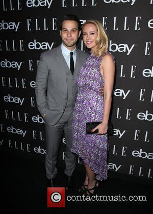 Anna Camp And Skylar Astin Wed