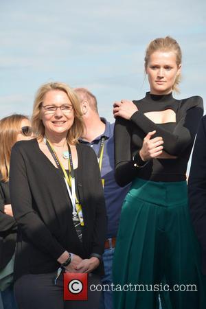 Cornelia Yzer and Toni Garrn