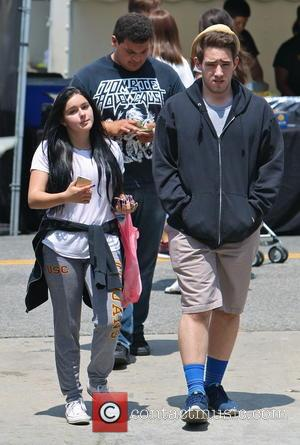 Ariel Winter - Ariel Winter spends her Memorial Day Weekend with her boyfriend and family at the Studio City Farmers...