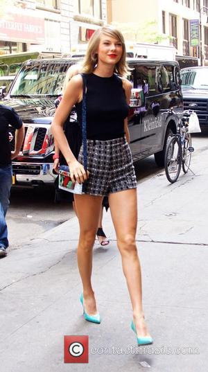 Taylor Swift - Taylor Swift out and about in New York City - New York City, New York, United States...