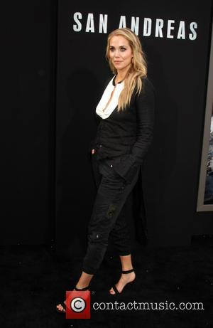 Elizabeth Berkley - Premiere of Warner Bros. Pictures' 'San Andreas' at the TCL Chinese Theatre - Arrivals at TCL Chinese...