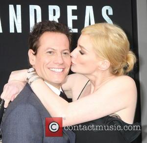 Ioan Gruffudd and Alice Evans - Premiere of Warner Bros. Pictures' 'San Andreas' at the TCL Chinese Theatre - Arrivals...