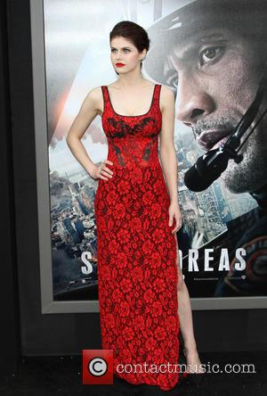 Alexandra Daddario - The Warner Bros. Pictures world premiere of 'San Andreas' held at the TCL Chinese Theatre - Arrivals...
