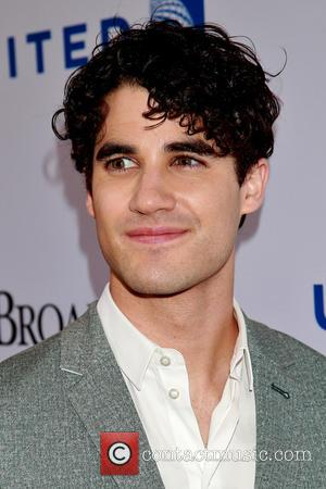 'Glee' Star Darren Criss Apologises For Onstage Caitlyn Jenner Joke