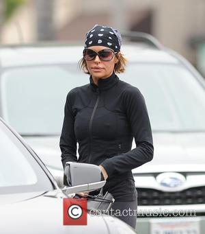Lisa Rinna - Lisa Rinna leaving her yoga class - Los Angeles, California, United States - Wednesday 27th May 2015