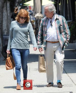 Henry Winkler - Henry Winkler grabs a take out lunch in Hollywood - Los Angeles, California, United States - Wednesday...