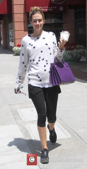 Rhea Durham - Rhea Durham goes shopping in Beverly Hills - Hollywood, California, United States - Thursday 28th May 2015