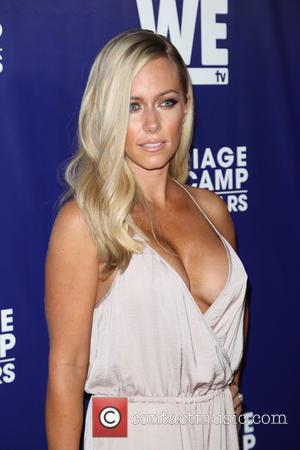 Kendra Wilkinson - WE tv's 'Marriage Bootcamp Reality Stars'' premiere party at HYDE Sunset: Kitchen + Cocktails - Arrivals -...