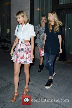 Taylor Swift, Martha Hunt and Gigi Hadid - Taylor Swift, Gigi Hadid, and Martha Hunt spotted leaving Tamarind restaurant -...