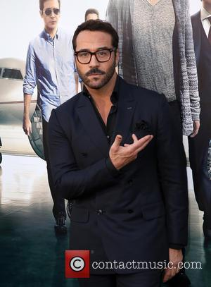 Jeremy Piven - Warner Bros. Pictures' L.A. Premiere of 'Entourage' held at The Regency Village Theatre - Arrivals at The...