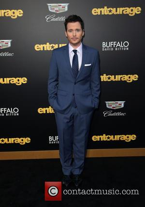 Kevin Connolly Dating Entourage Co-star