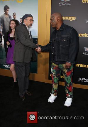 Richard Schiff and Mike Tyson