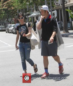 Perrey Reeves and Aaron Fox - Entourage star Perrey Reeves goes shopping in Beverly Hills with her boyfriend Aaron Fox...