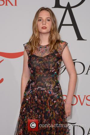Uma Thurman & Ethan Hawke's Daughter Lands Big Modelling Deal